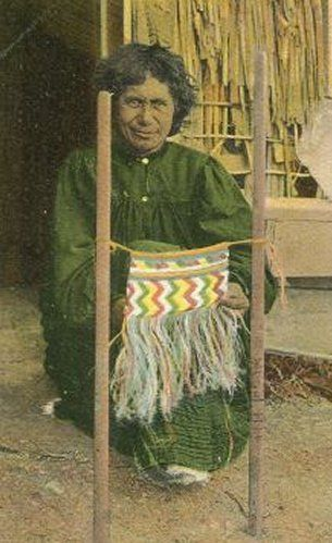 Google Image Result for http://www.janesoceania.com/newzealand_postcards15/Maori%2520Woman%2520Weaving%25201907.jpg