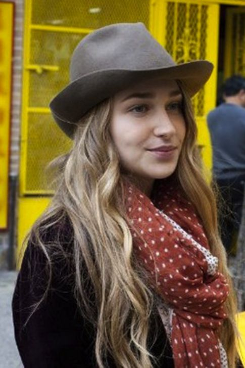want that hair color. beautiful Jemima.