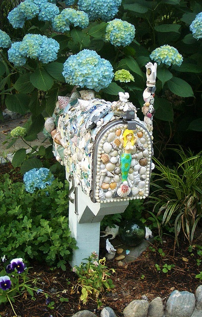 Mailbox whimsy