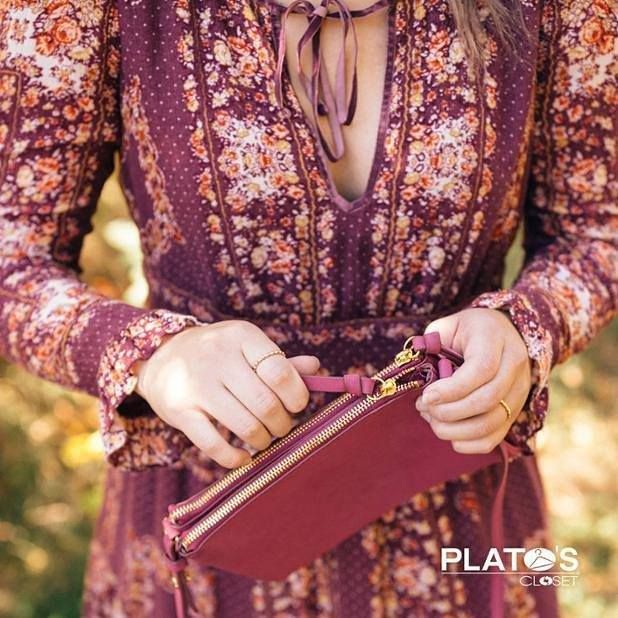 What's in your bag? Bring in your summer spring and last winter's looks to Plato's Closet where you can add a little cash to that adorable clutch. http://ift.tt/2yOvd00 - http://ift.tt/1HQJd81