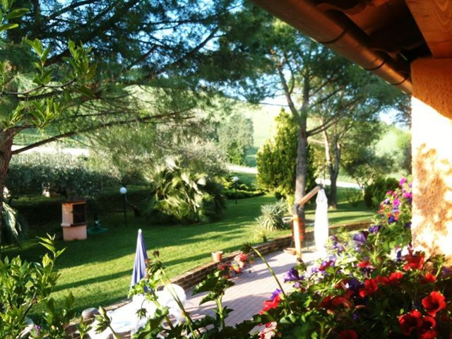 Agriturismo Casale il Gallo Bianco #marche #agriturismo #countryhouse #campagnamarchigiana #vacanza #offagna http://www.marchetourismnetwork.it/?place=agriturismo-casale-il-gallo-bianco