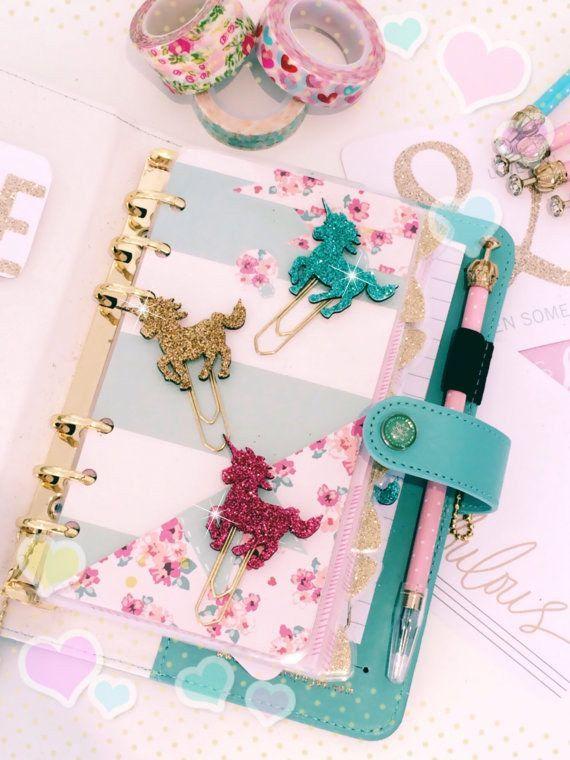 Estos clips ostentosos. | 26 Cosas que todo amante de los unicornios necesita