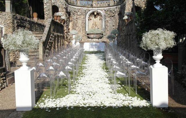 Petals for Ceremony. La Rosa Canina FIRENZE www.larosacaninafioristi.it