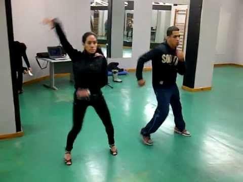 Clases de Salsa en 2 estilo New York para nivel basico medio con Carlos Moises y Jessica Ramos