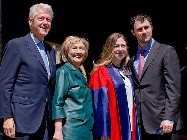 2014 Pregnant Chelsea Clinton Receives Doctorate Degree from Oxford