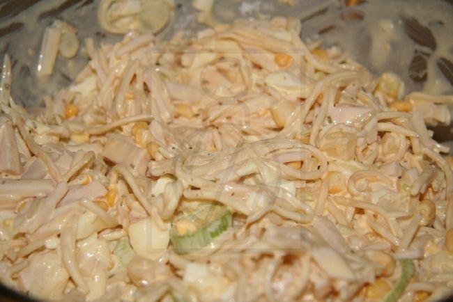 Zelerový šalát s ananásom, recept