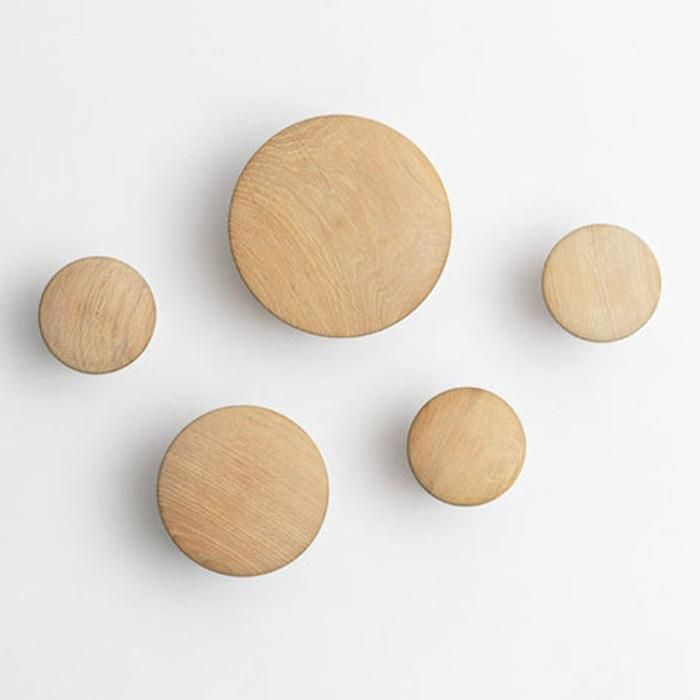 Dots Coatrack set by Muuto in oak natural