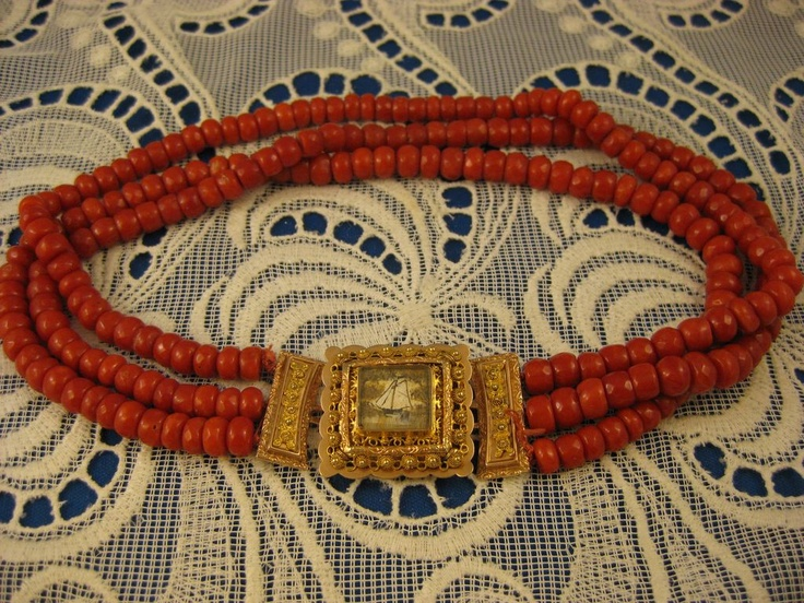 Antique Zeeland Blood Red Coral Gold Clasp Necklace ~ BloedKoraal Ketting