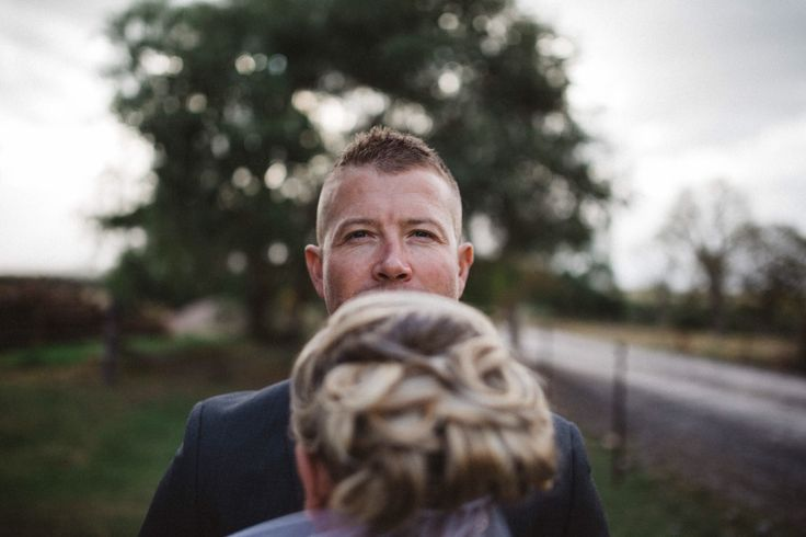 glen gazing on thee wedding day. Sydney wedding
