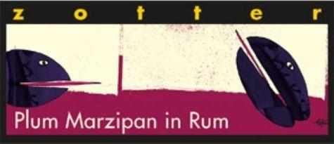 Zotter Plum Marzipan in Rum... Σοκολάτα γάλακτος με 60% κακάο και γέμιση από μάρζιπαν δαμάσκηνων βουτιγμένων σε ρούμι και λευκή σοκολάτα μαζί με νουγκατίνα καραμέλας. Απαλό άρωμα κακάο μαζί με αποξηραμένου δαμάσκηνου με νότες ποτού. Γευστικότατη σοκολάτα γάλακτος στην οποία φαίνεται το κακάο και δένει ιδανικά με τα μουσκεμένα δαμάσκηνα στο ρούμι. Κρεμώδη νουγκατίνα καραμέλας που τονίζει το γευστικό αποτέλεσμα. Δεν είναι πολύ γλυκιά, λιώνει στο στόμα. Αφήνει νότες δαμάσκηνου με ρούμι!