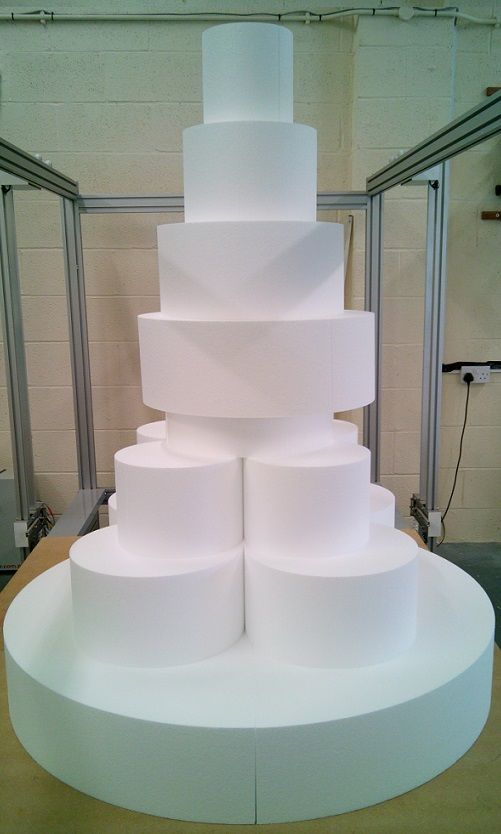 Another huge 5ft tall cake dummy