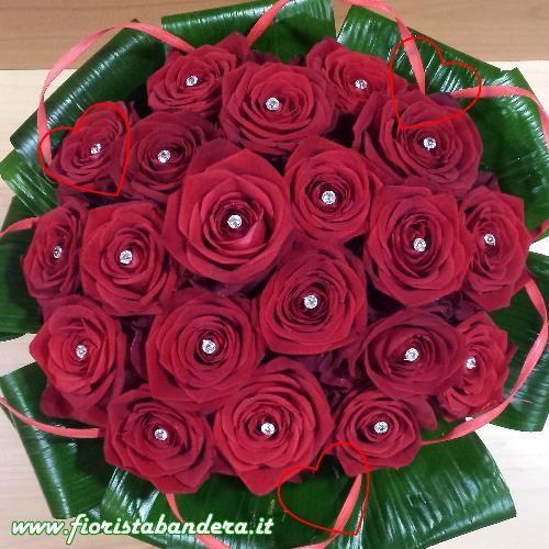 Bouquet rose rosse compatto per San Valentino