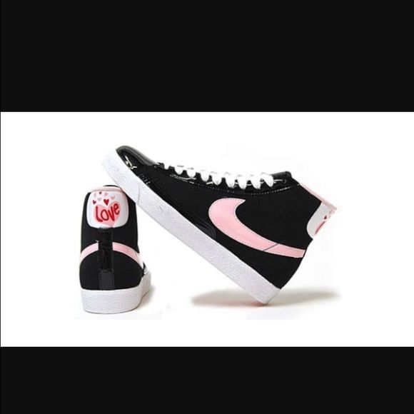 """Nike mid top special edition """"Love"""" Blazers Nubuck on the upper & patent leather on the toe, lace panels, heel spine, tongue tag & along the base of the upper. A white patent leather heel tab featuring a large Pink heart with """"LOVE"""" printed in the center & smaller hearts seen floating above it. Needs light cleaning, and also needs new laces. Has a few scuffs and creases due to normal wear, but nothing major. Still in good overall condition! Super adorable! Size 6.5Y. I am a size 7 in…"""