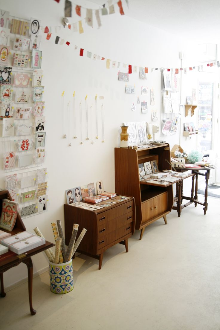Elle Aime (Zwaanshals 271b, Rotterdam); a shop full of handmade goodies + craft materials. http://www.elleaime.nl