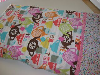10 minute pillowcase tutorial. & 31 best Make Your Own Pillowcases images on Pinterest | Sewing ... pillowsntoast.com