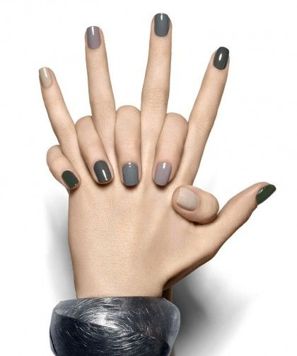 Multicolor minimal nails #fashion #fw14#trends ♥♥♥ http://www.freakystar.blogspot.com