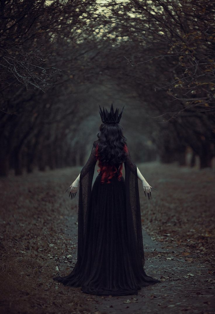 Black Queen by Naryna Khomenko #photography