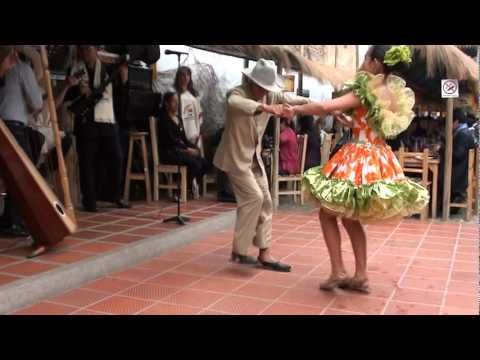 Amazing Colombian Dance - very fast! (@1:24)