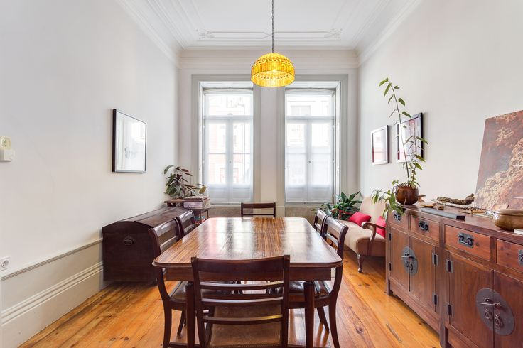 HomeLovers: dining room // wood everywhere