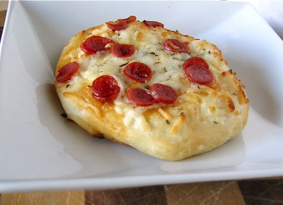 Quick Pepperoni Pizza Snacks by @Milisa- Miss in the Kitchen