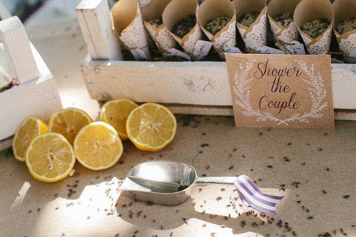 #realwedding #costanavarino #decoration #whiteribbonevents #lemons #rice