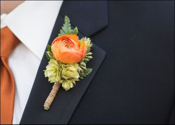 Orange ranunculus and hops boutonniere wrapped in twine. #floraldesign #orangeflowers #hops www.floraldesign.me  crystalmadsenphotography.com