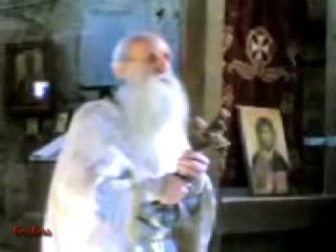 Δείτε το μέχρι το τέλος. Μην το χάσετε! Το Θείο Φως στον πατέρα Σεραπίωνα.