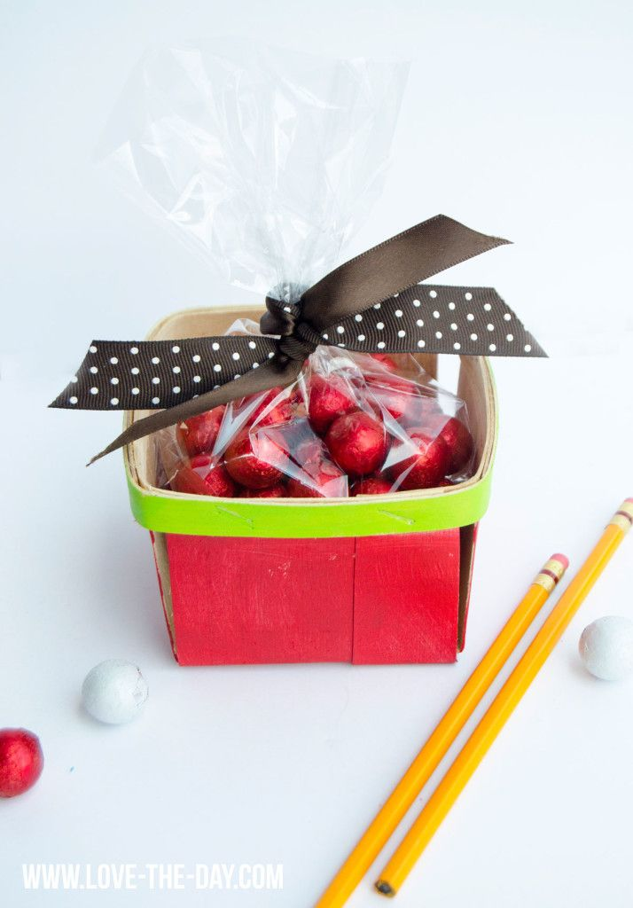 288 best back to school party ideas images on pinterest for Diy apple boxes