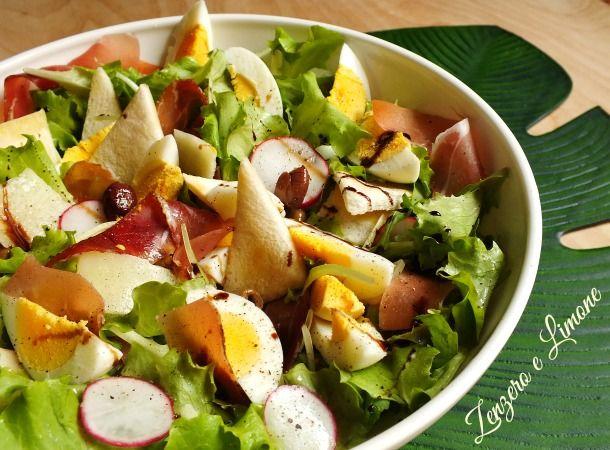 L'insalata tirolese è un contorno gustoso e facile da preparare. Un mix di ingredienti che si sposano perfettamente dando vita ad un vero piatto unico.