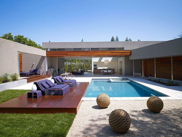 moden u shaped residence with central patio 1 Modern U Shaped California Home with Central Patio