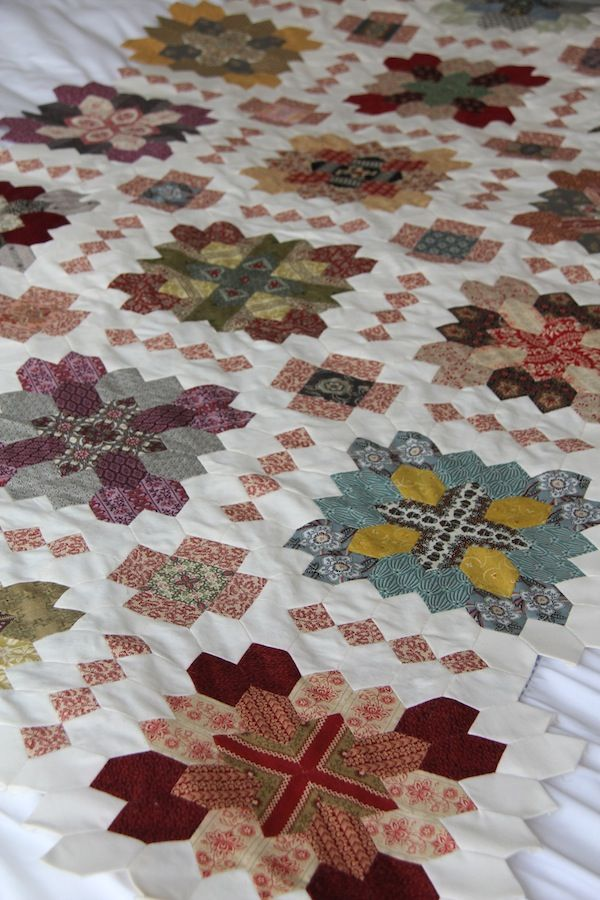 Lucy Boston quilt HD: Favorite site strikes again!  A must make.