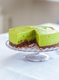 Yes! Wij hebben eindelijk van de overheerlijke avocado limoentaart mogen genieten en natuurlijk delen we het recept met je. Lees snel verder!