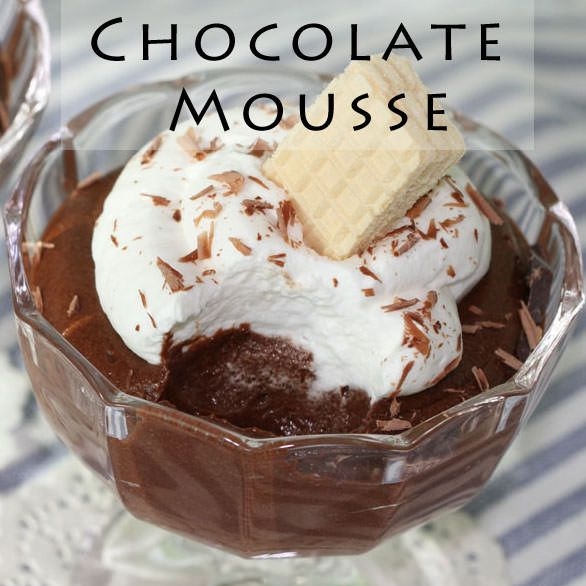 Hi, I came back earlier than my plan because I wanted to upload Valentine's Day specials in January. And 3-ingredient chocolate mousse is my first video.