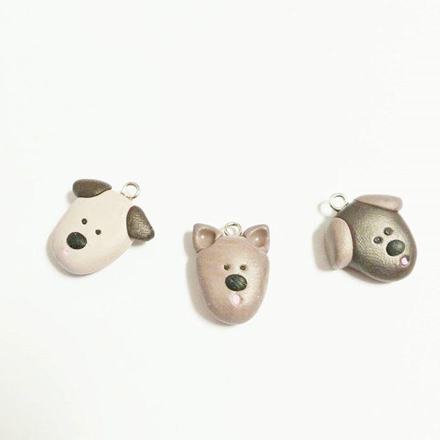 ... und noch was für alle Hundefans: süße kleine Hundeanhänger.  ... and by the way, something for the dog lovers: cute little dog pendants.   #dogs #doggy #polymerclay #polymerclaycharms #polymerclayjewelry #fimo #handmade #crafts #arts #animals #hund #adorable #cute #lisaswolke7 #jewelry #schmuck #handgemacht #instagramde #handmadecurator #makersvillage #handmadeLoves