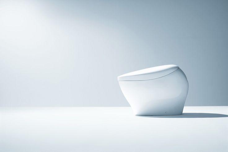 TOTO株式会社が100年の製陶技術を駆使して作り上げた次世代トイレ「ネオレストNX」。360度全方位から見ても美しい曲線美だけでなく、最先端の機能も満載。デザインと機能が融合した「真の一体形」として世界販売を展開。
