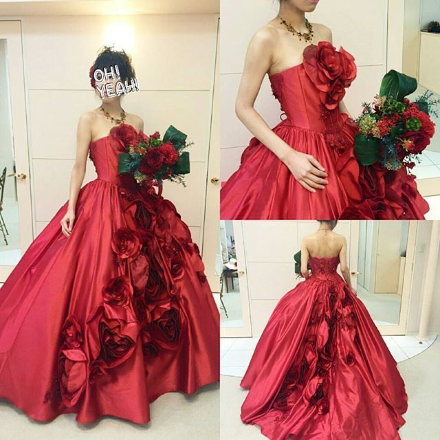 突然振り返る。 #試着レポ @bridalminatoya * 顔的に似合わないけど、シンプルで大胆なサテンの赤ドレス合わせてくれたブーケも可愛すぎた❤クリスマスっぽくて冬婚に良さそう * 赤って本当に可愛くて、カラードレスが赤の花嫁様、ものすごく素敵で目を奪われる…❤ * #プレ花嫁 #weddingdress #colordress #結婚式 #結婚準備 #結婚式準備  #花嫁 #2016wedding #instawedding #2016awd #2016秋婚 #ちーむ0918 #日本中のプレ花嫁さんと繋がりたい #日本中の花嫁さんと繋がりたい #カラードレス #CD試着 #ドレス試着 #ウェディングソムリエアンバサダー #marry花嫁 #四国花嫁 #高知花嫁 #カラードレス試着 #wedding #love