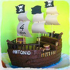 Nos encantan los piratas, tan malotes ellos, con su pata de palo y su parche en el ojo. Pero sin duda lo que más mola ...