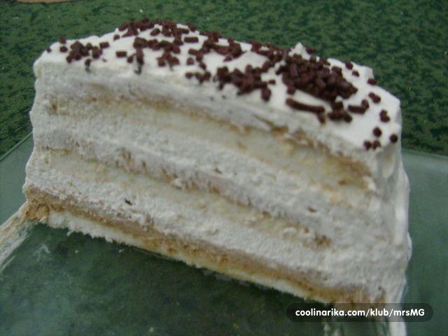 Kad sam tražila kako napraviti ovaj kolač, naišla sam na hrpu recepata no uglavnom s voćem ili bez slike. Zato postavljam ovaj kako bi možda nekom slijedećem sladokuscu pretraga bila jednostavnija.