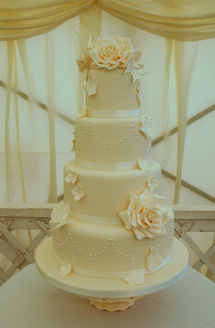 Emma and Richards Wedding Cake by Sweet Tiers Cakes (Hester), via Flickr