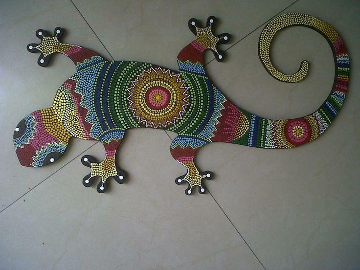 Salamandra pintada en puntillismo / salamander painted in pointillist