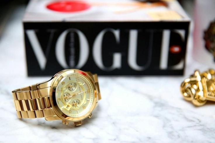 Zlaté hodinky Michael Kors. Vychytávka tejto sezóny.http://www.1010.sk/hodinky-michael-kors/michael-kors-runway-all-gold-mk5055/