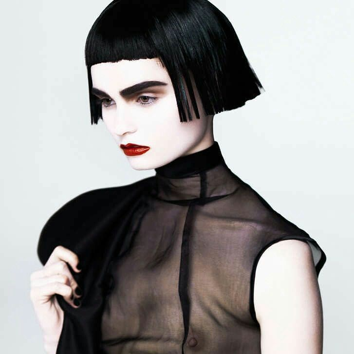 #halloween  #spazioliberowigs  6euro le parrucche corte 12 euro le parrucche lunghe
