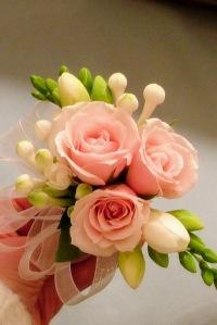 Beautiful DIY mother of the bride corsage white bouvardia pink spray roses rose freesia