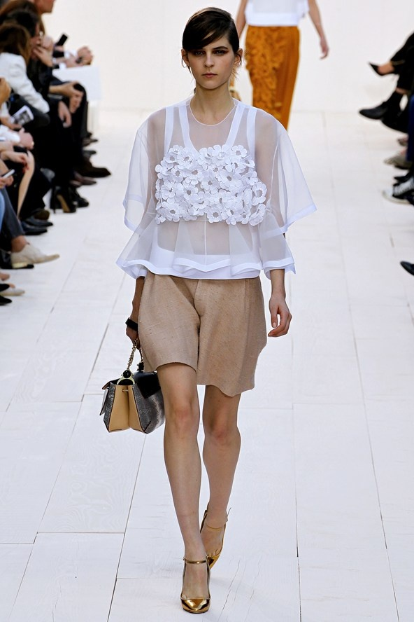 """6. BERMUDA PARTY  (Alexander Wang, Chloe,...)  """"Loose fitting bermudas need to be in proportion with your whole outfit. Too much oversized layers can take you from 'Bam!' To 'Bum' in no time."""""""