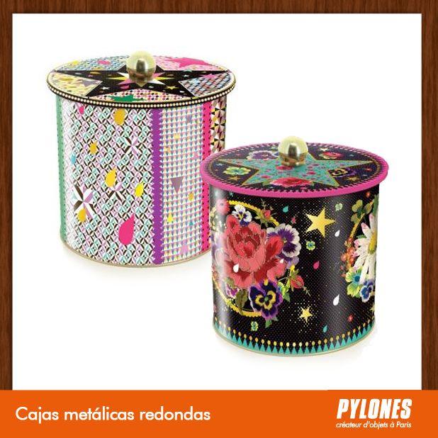 Cajas metálica redondas @pylonesco Pylones Colombia #navidad #regalos #pylones #novedades #new #gifts #christmas — en Colombia.