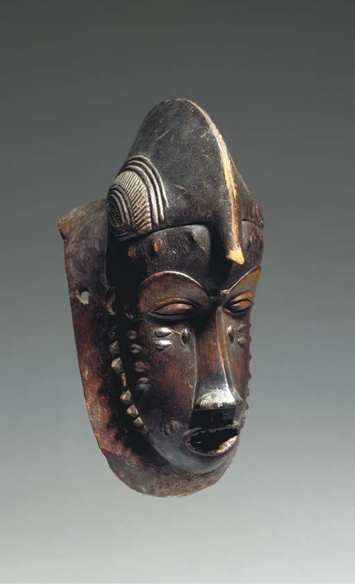 Le masque calmant pour la personne des saules roche