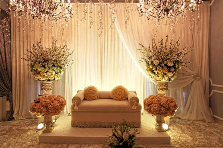 wedding favors and decorations house pelamin dais house wedding and weddings 9454