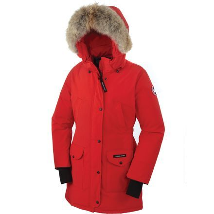 For the winter urbanite, the Canada Goose Women's Trillium Down Parka gives a fresh, bold look to the bundled-up winter parka. This lightweight duck down-filled parka keeps you warm in cold to frigid weather conditions when you commute to work, walk the dog, and watch the outdoor hockey game or snowboard competition.