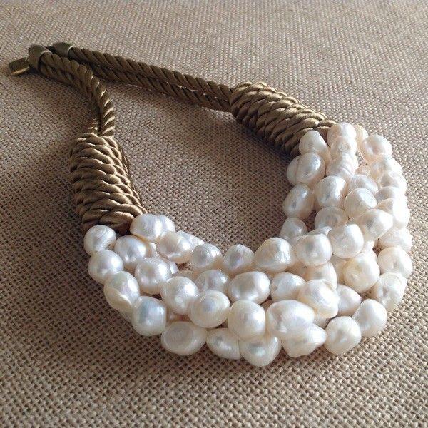 Collar perlas y cordón seda