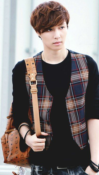 #SpamPic - EXO ❤ Lay SOMEONE SHOULD MAKE IT ILLEGAL FOR EXO TO WEAR FLANNEL
